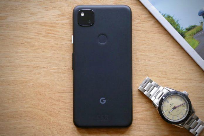 Google Pixel 4a vs. Apple iPhone XR