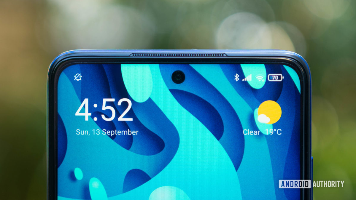 Xiaomi Poco X3 NFC punch hole and top of the display