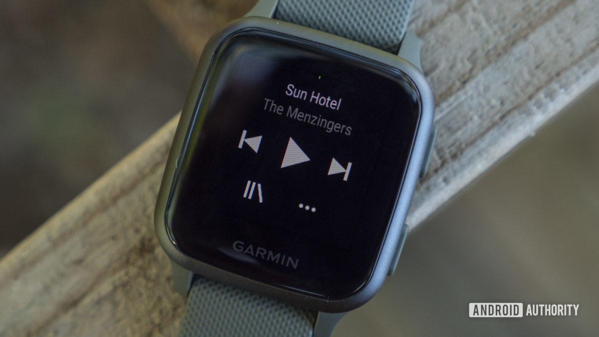 garmin venu sq review music spotify