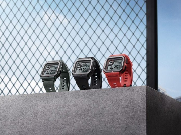 Amazfit Neo is a $40 smartwatch with a retro design, 28-day battery life