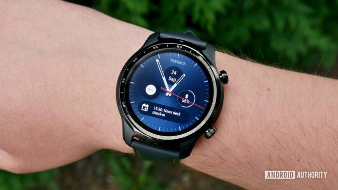 TicWatch Pro 3 GPS: Hands-on with the first Snapdragon Wear 4100 smartwatch
