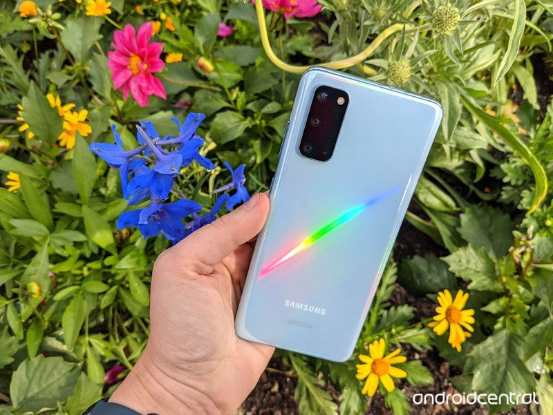 galaxy-s20-review-flowbed-rainbow.jpg