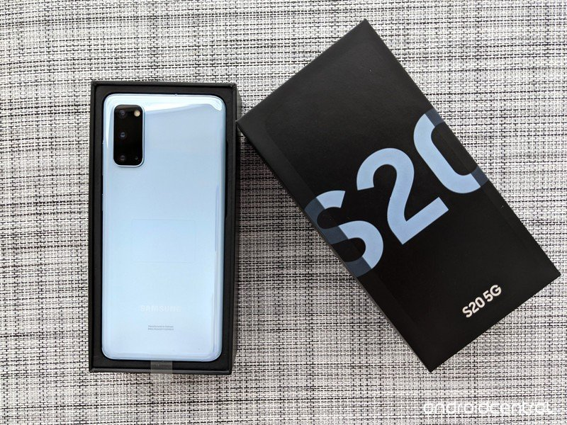 galaxy-s20-review-unboxing-whitemesh.jpg