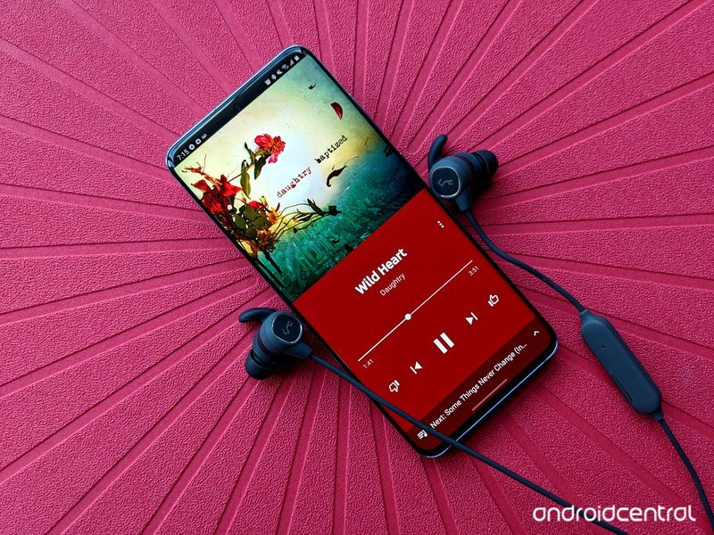 galaxy-s20-review-youtube-music-aukey-b6