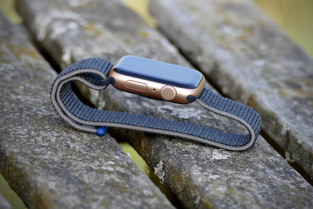 apple watch se review digital crown