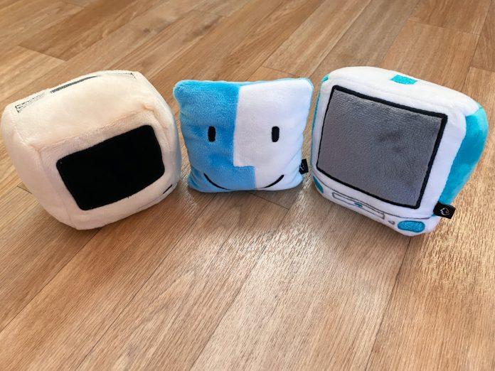 Review: Throwboy's Mac-Shaped Pocket Pillows Are a Fun Desktop Accessory