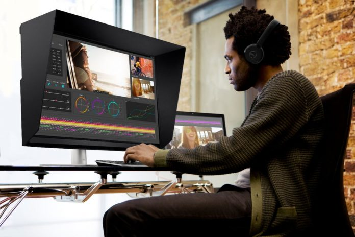Dell's UltraSharp 32 HDR takes on Apple's ProDisplay with 2,000 mini-LED zones