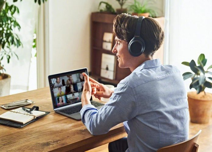 The best headphones for watching TV are right here!