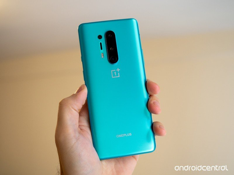 oneplus-8-pro-green-in-hand-back.jpg