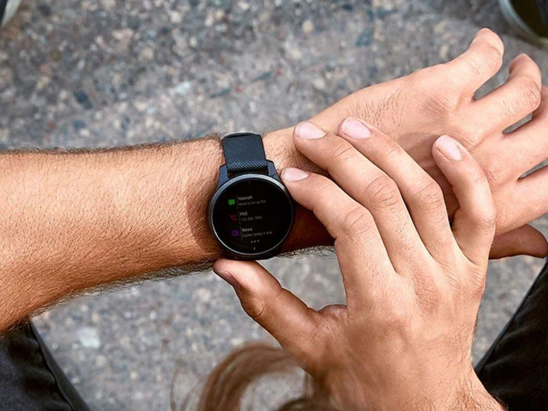 garmin-vivoactive-4-press-hero.jpg