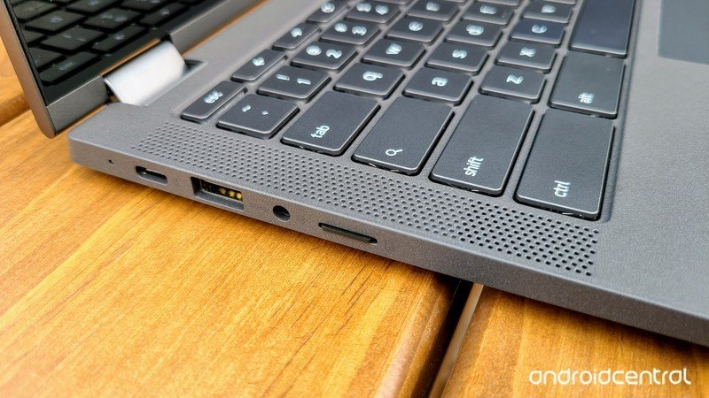 lenovo-flex-5-chromebook-review-ports-an
