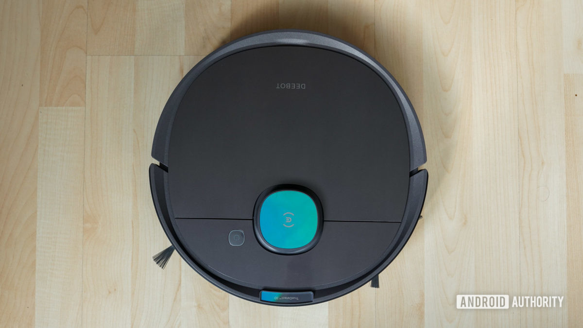 Ecovacs Deebot Ozmo T8 top down view of whole robot vacuum with brushes