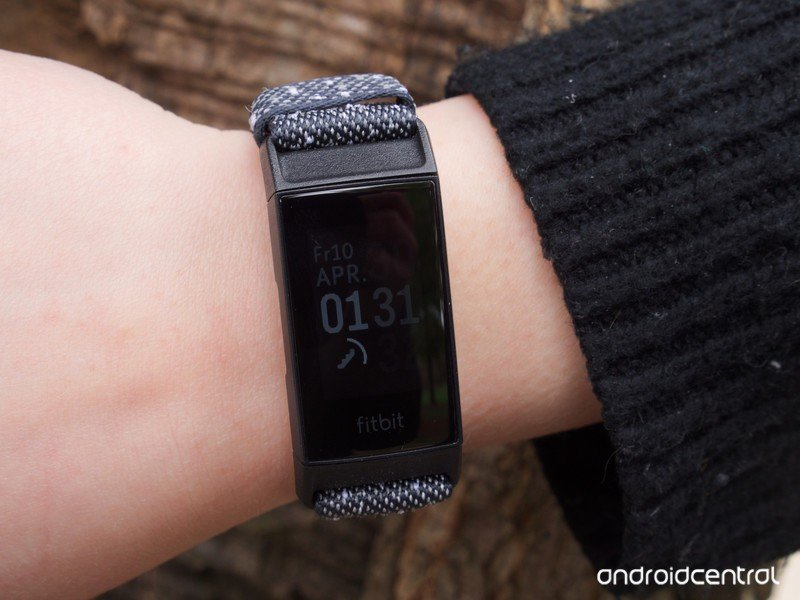 fitbit-charge-4-review-1.jpeg?itok=qhFC0