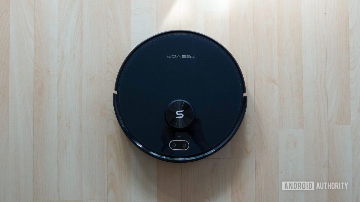Tesvor S6 robot vacuum top down view full