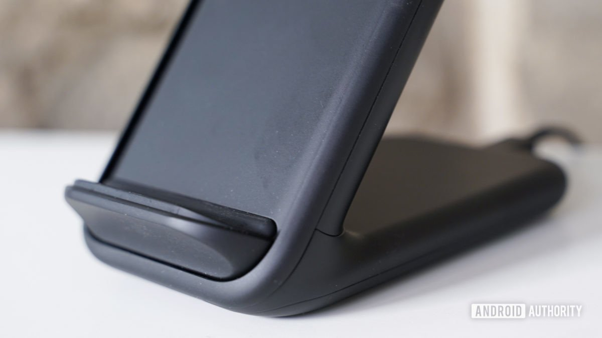 Samsung Wireless Charger Stand ledge