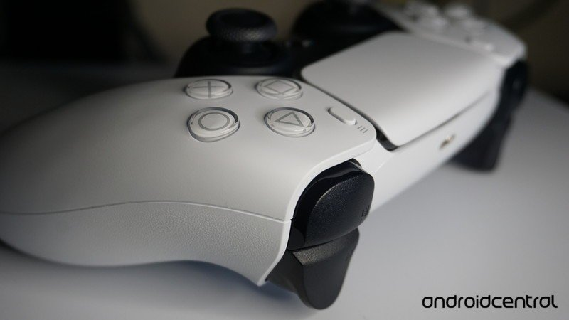 dualsense-trigger-closeup.jpg