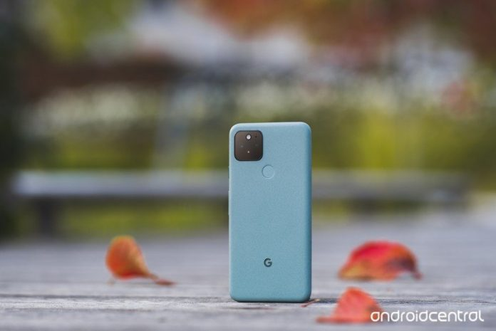 5 reasons you should buy the Pixel 5 over the iPhone 12 this year