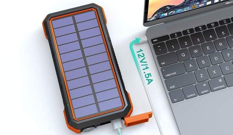 blavor-solar-charger-power-bank-lifestyl