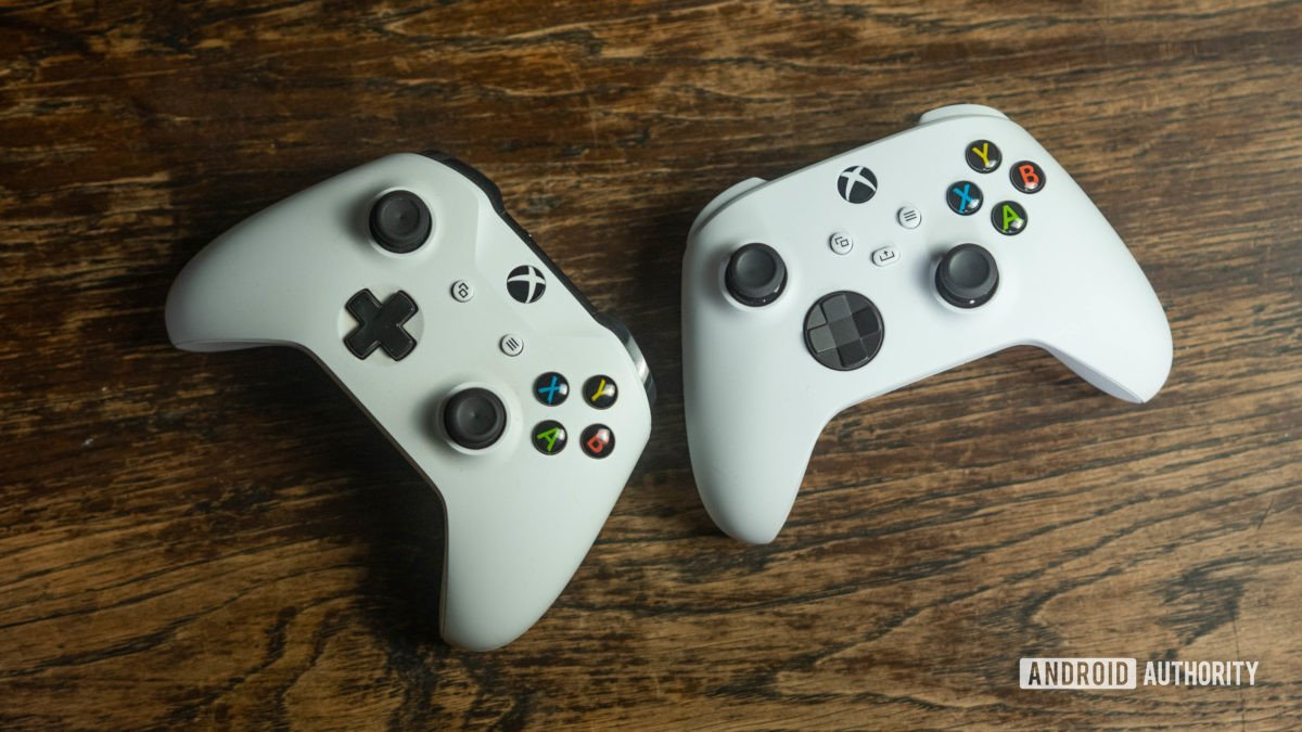 Xbox Series S and One S controller comparison angled