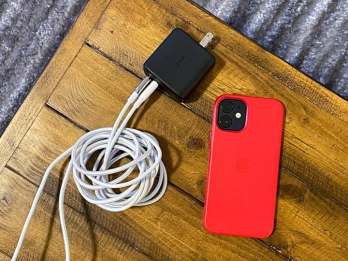 Treat your phone to the charger and cables it deserves on Black Friday