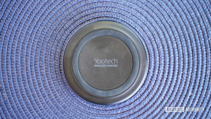 Yootech F500 Wireless Charger review: An inexpensive travel option