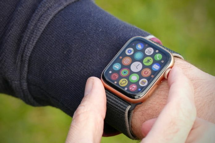 Apple Watch SE, Apple Watch Series 6 prices slashed for Cyber Week