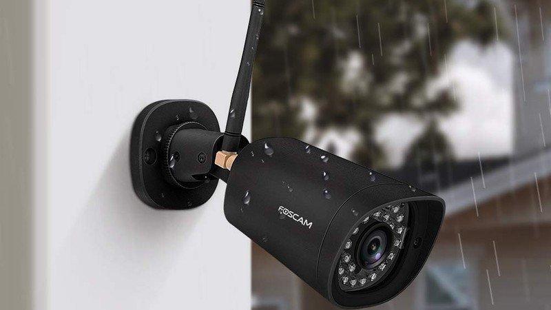 foscam-outdoor-camera-lifestyle.jpg?itok