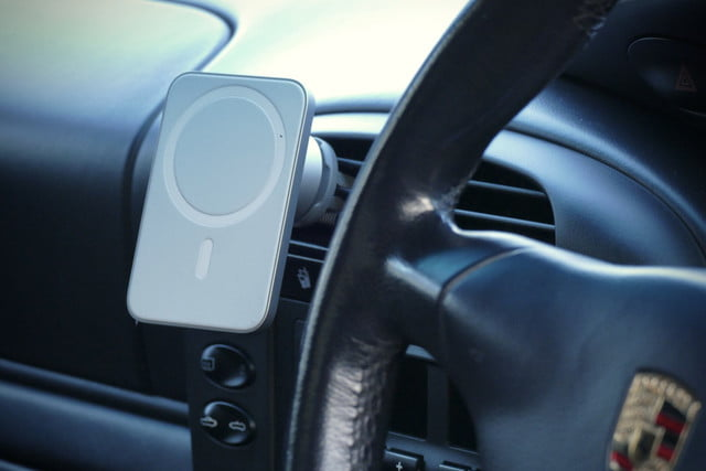 belkin magsafe car vent mount pro hands on features price photos release date without phone