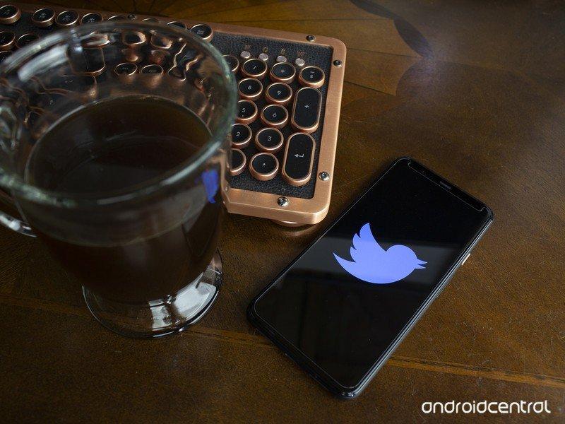 twitter-logo-coffee-keyboard.jpg