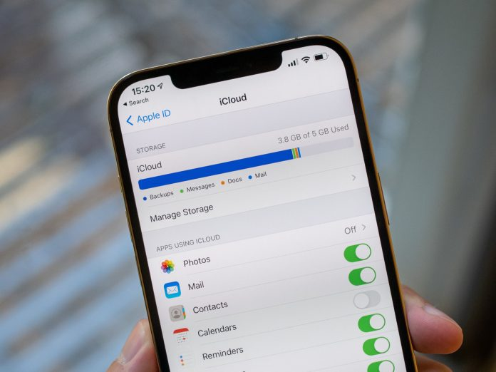 I actually use all of Apple's preinstalled iPhone apps — here's why