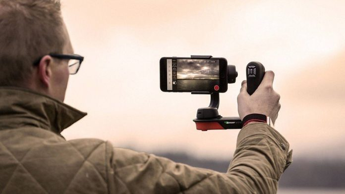 Shoot better-looking vlogs with a smartphone gimbal