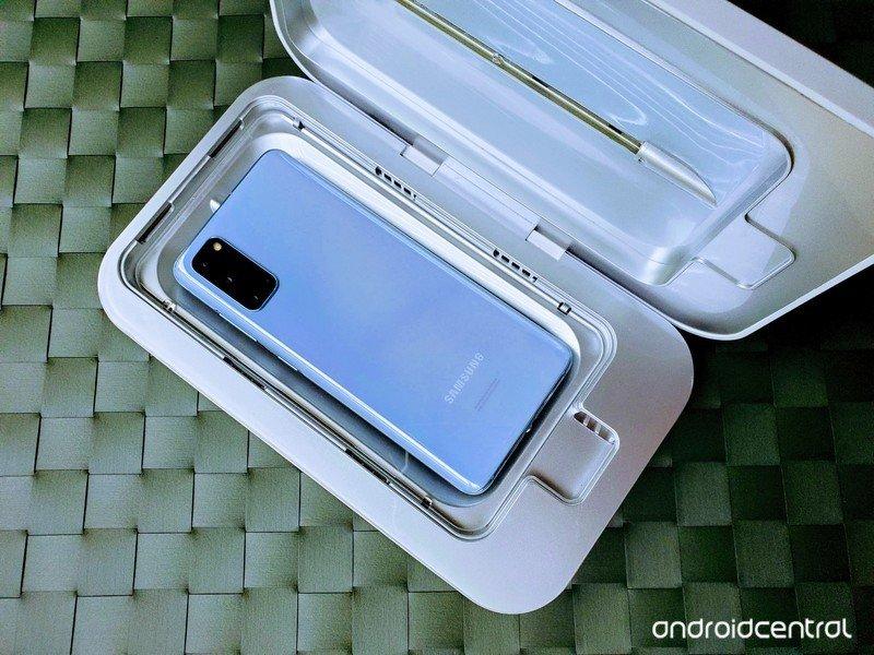 best-uv-sanitizers-phonesoap-s20-greenbl