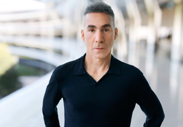 Dan Riccio Transitioning to New Project, John Ternus to Lead Apple's Hardware Engineering Team