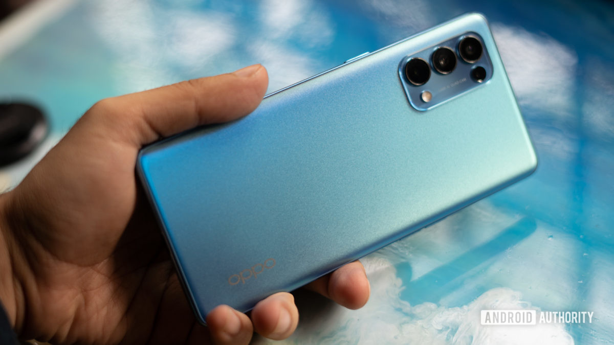 Oppo Reno 5 Pro in hand