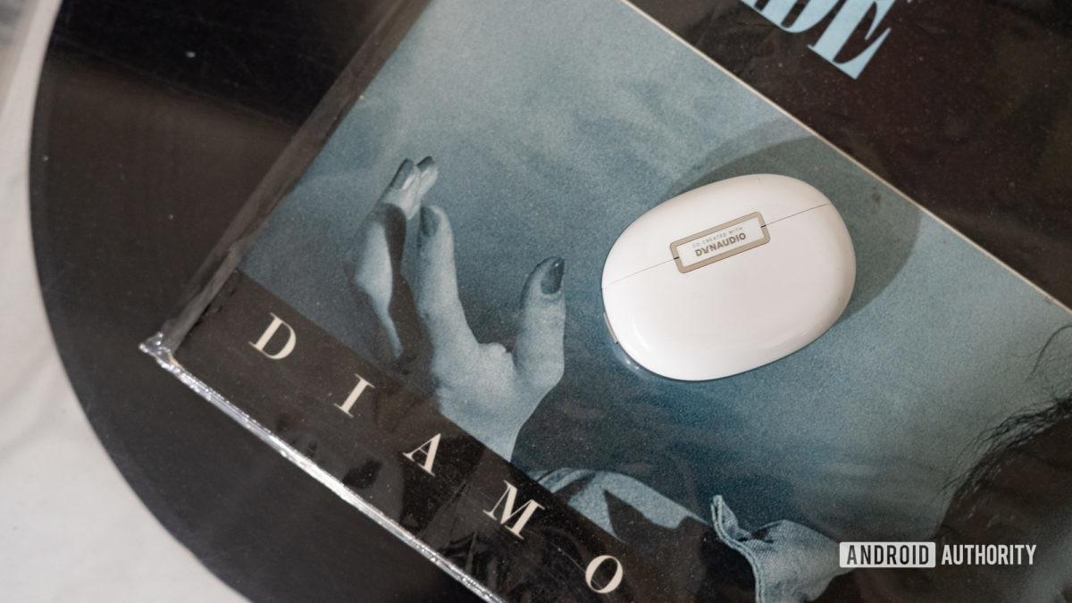 Oppo Enco X Dynaudio logo