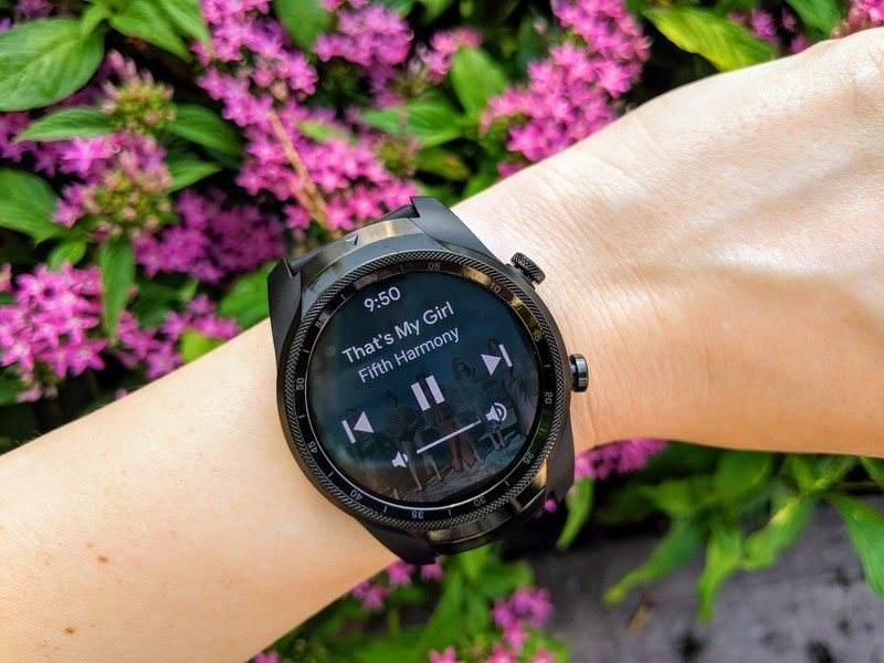 ticwatch-pro-g4-playback-controls-purple