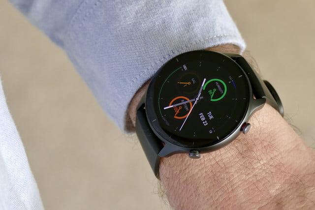 amazfit gtr 2e smartwatch review wrist complications face