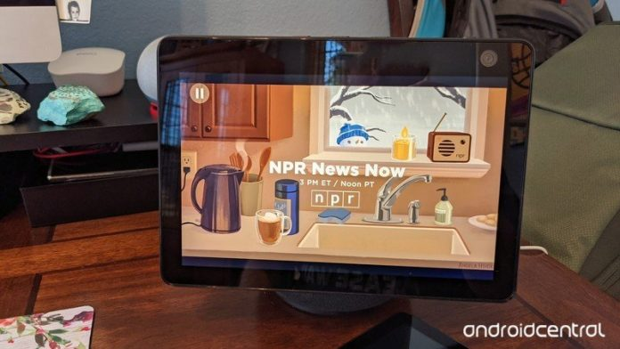 The Amazon Echo Show 10 (3rd Gen) screen moves but does it have a stand?