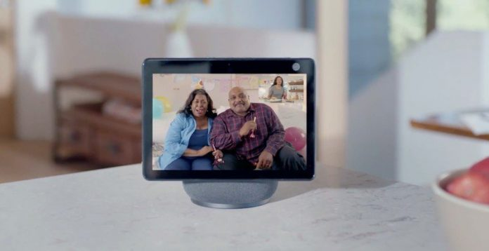 Can the camera in the Amazon Echo Show 10 be disabled?