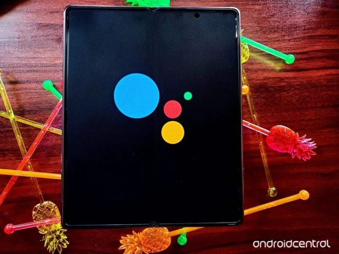 Command Google Assistant without bothering to unlock your phone
