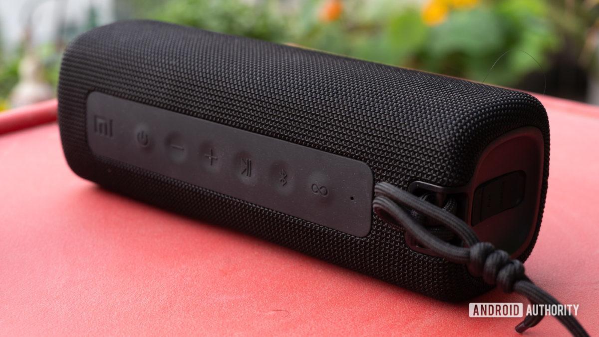 Mi Portable Bluetooth Speaker side profile