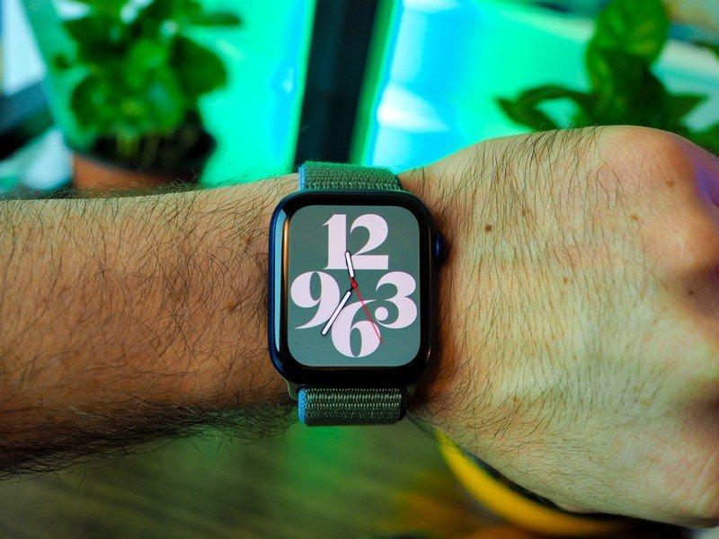 apple-watch-series-6-apple-watch-se-12.j