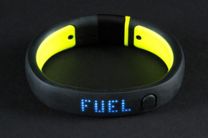 Style-deprived fitness bands have helped cheap, ugly smartwatches to flourish