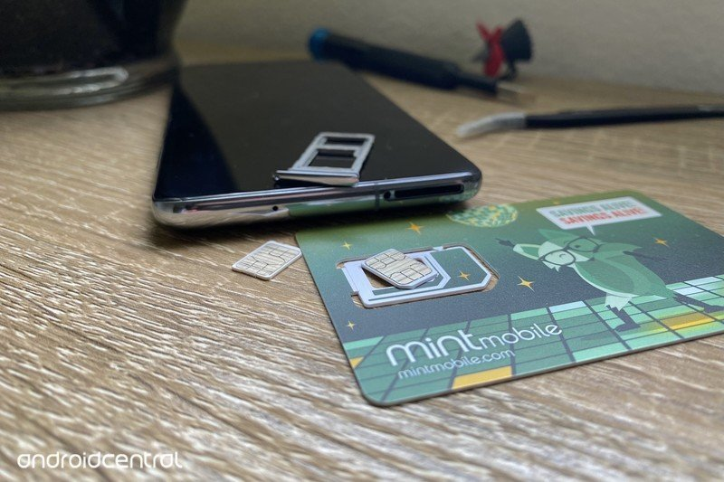mint-mobile-sim-card-s20.jpg