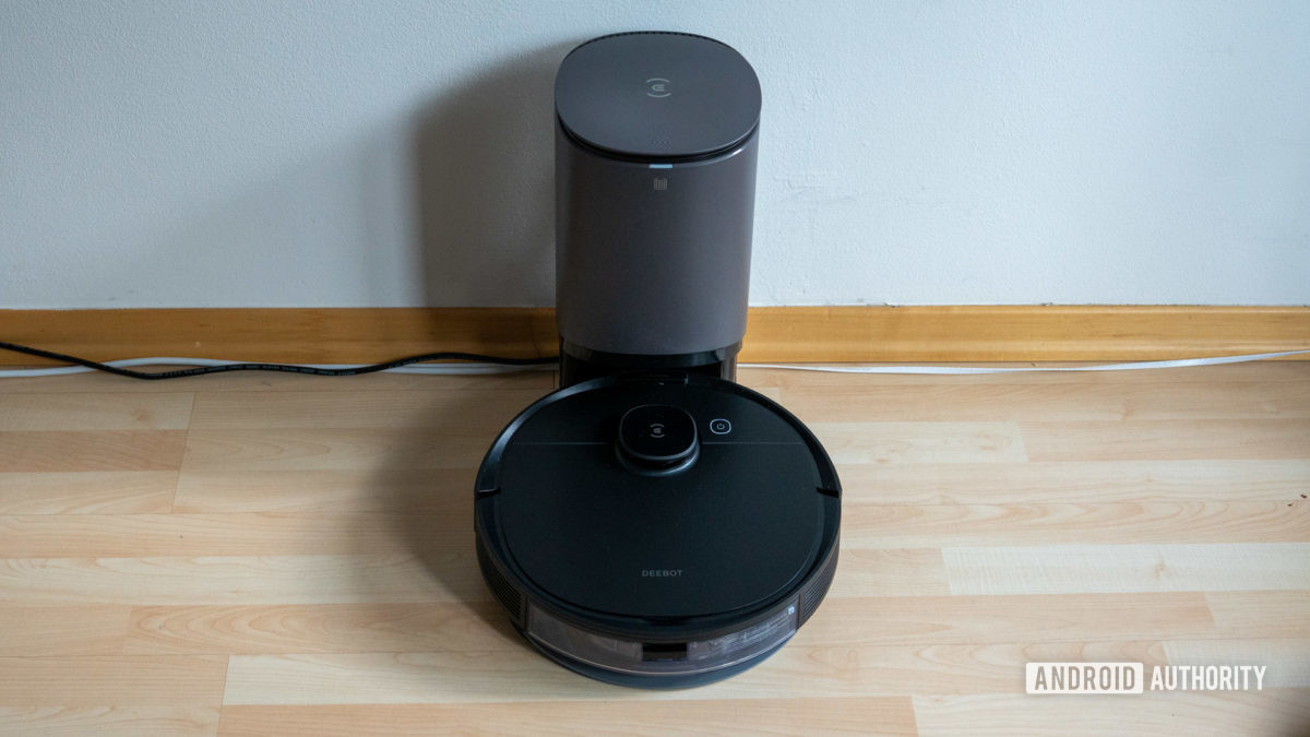Ecovacs Deebot Ozmo N8 review robot vacuum on auto empty base station