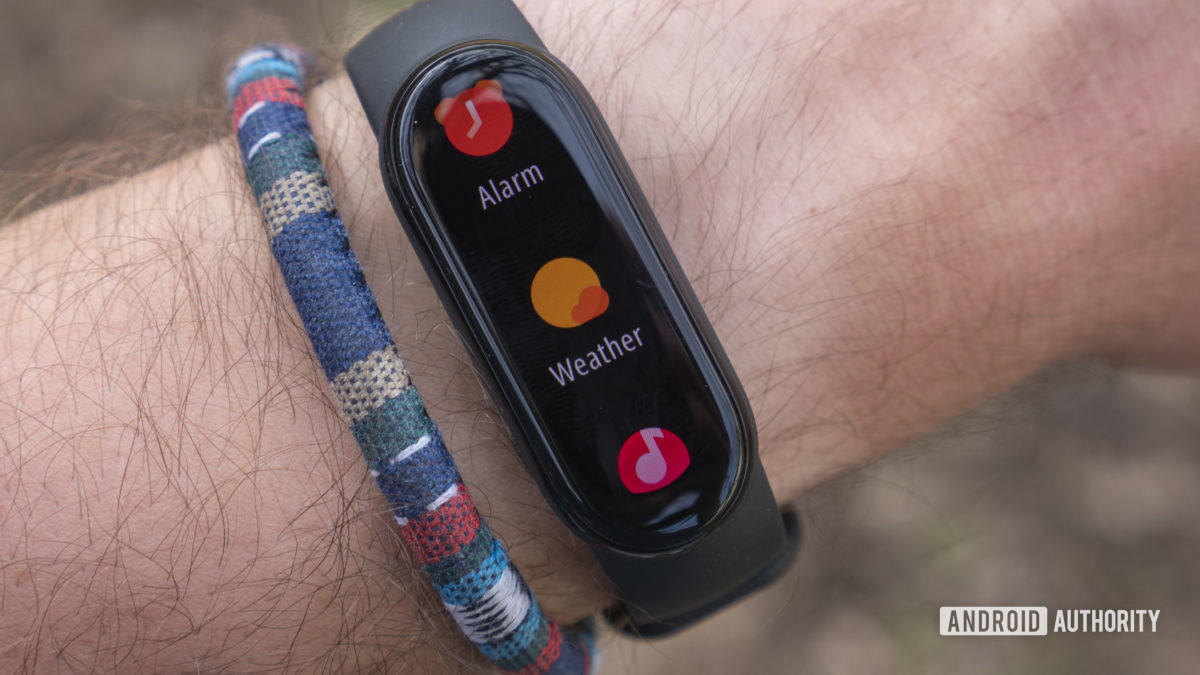 xiaomi mi band 6 review alarm weather music apps