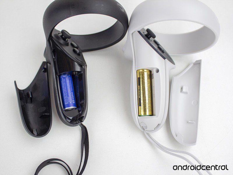 oculus-quest-2-vs-quest-controllers-6-ba
