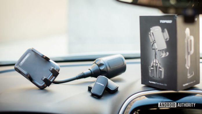 Topgo Cup Holder Phone Mount review: Interior space saver