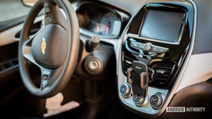 Mpow Car Phone Air Vent Mount review: Versatility meets affordability