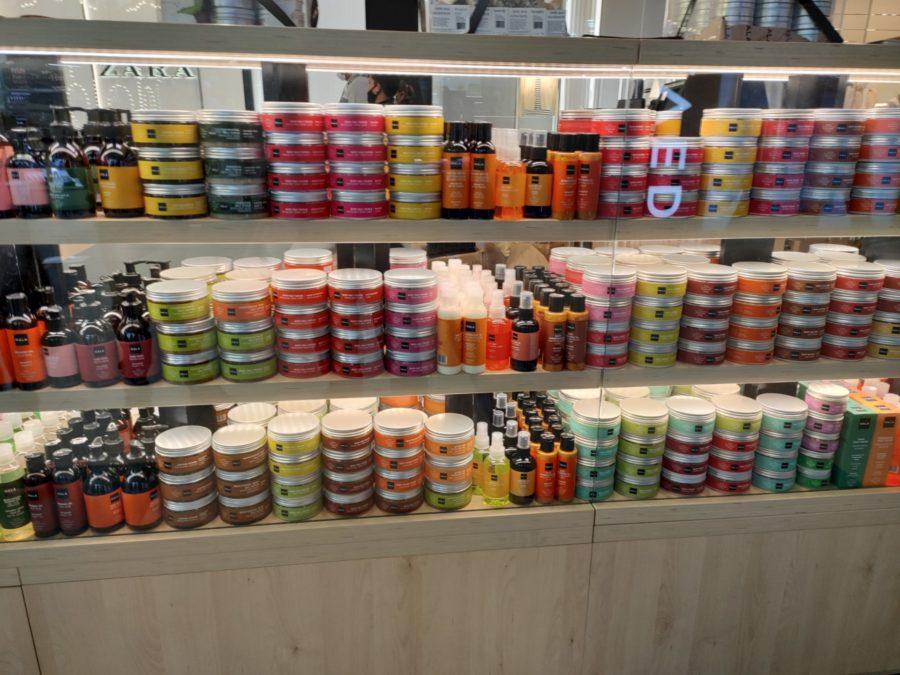 Red Magic 6 camera sample colorful jars